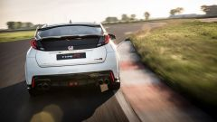 Honda Civic Type R vs Ford Focus RS in pista: guarda il video  - Immagine: 18