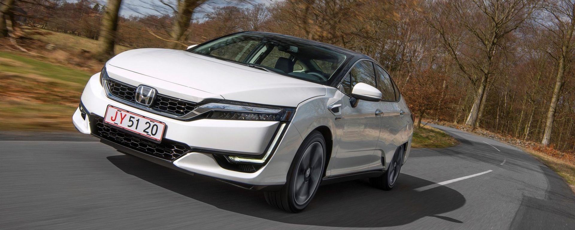 Honda Clarity Fuel Cell: così si guida un'auto a idrogeno (VIDEO)