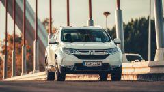 Honda CR-V Hybrid anteriore dinamica