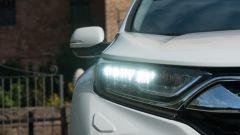 Honda CR-V Hybrid: dettaglio proiettori LED