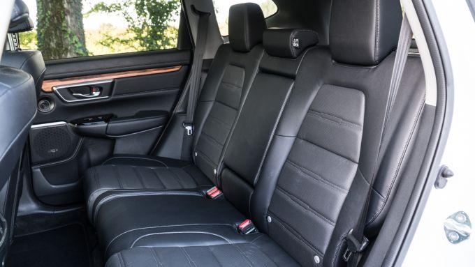 Honda CR-V Hybrid: dettaglio sedili posteriore