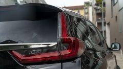 Honda CR-V Hybrid e:HEV, dettaglio del lunotto