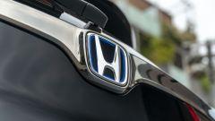 Honda CR-V Hybrid e:HEV, il marchio sul portellone