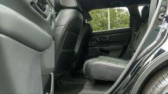 Honda CR-V Hybrid e:HEV, il pavimento posteriore è poco rialzato al centro
