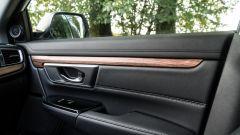 Honda CR-V Hybrid: finiture in simil-legno