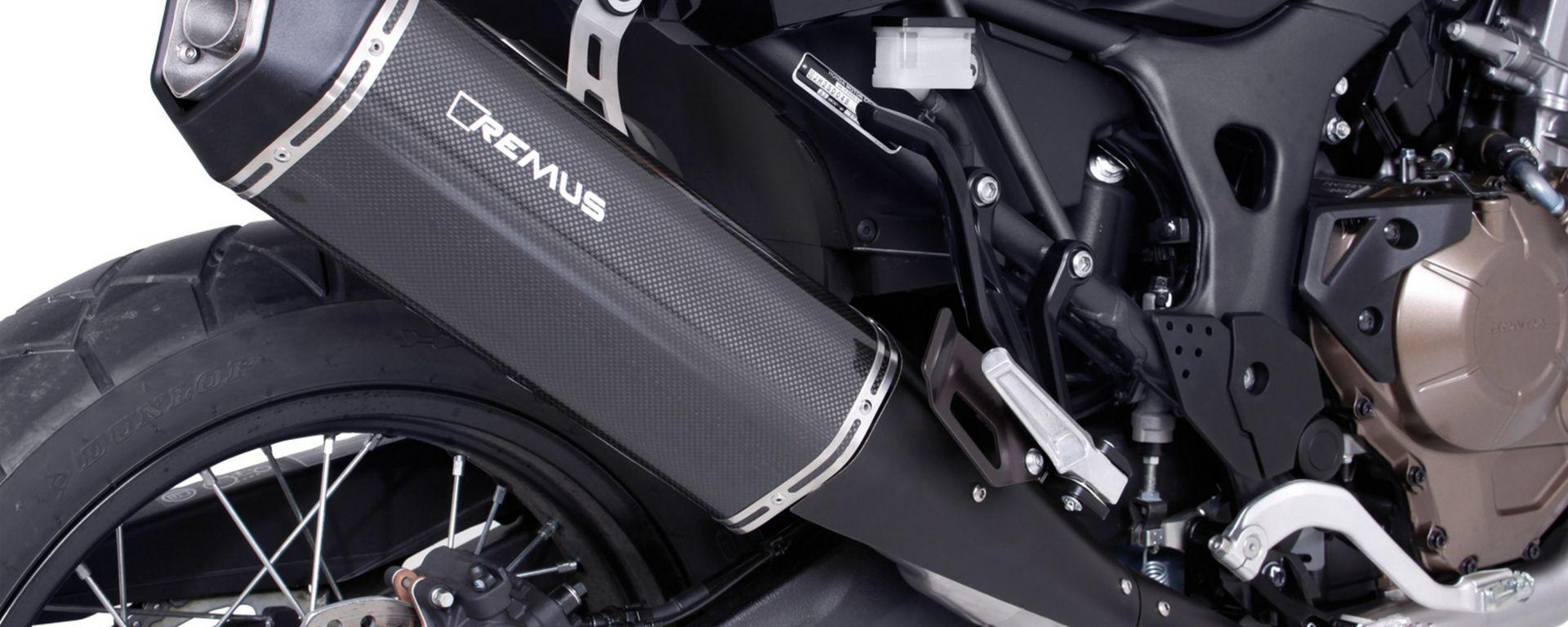 Honda Crf 1000L Africa Twin 2016: impianto completo in versione carbon con silenziatore