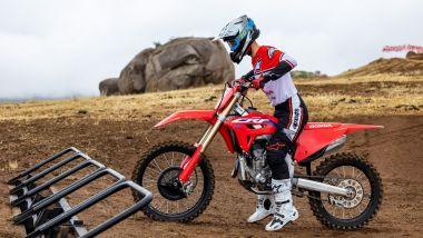Honda CRF250R 2022 al cancelletto di partenza