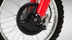 Honda CRF450R 2017, protezione disco freno anteriore
