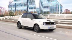 Honda e: prezzi, autonomia, dimensioni della piccola elettrica