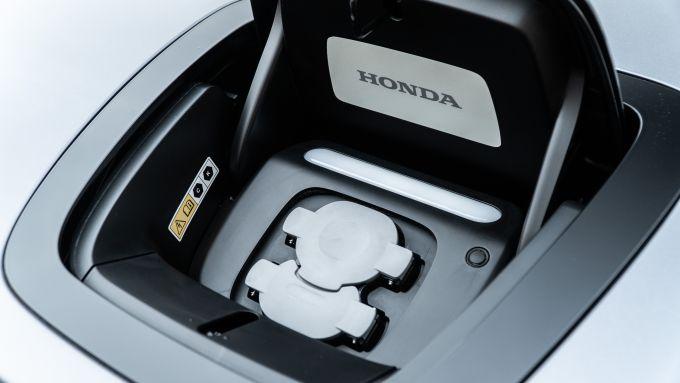 Honda-e: la presa di ricarica
