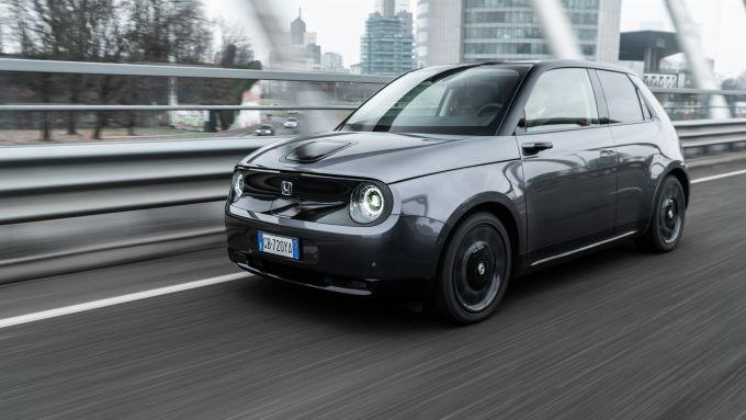 Honda-e, l'auto elettrica per le strade di Milano