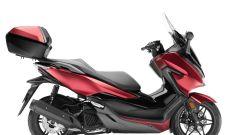 Honda forza 125: il bauletto da 45 litri è optional