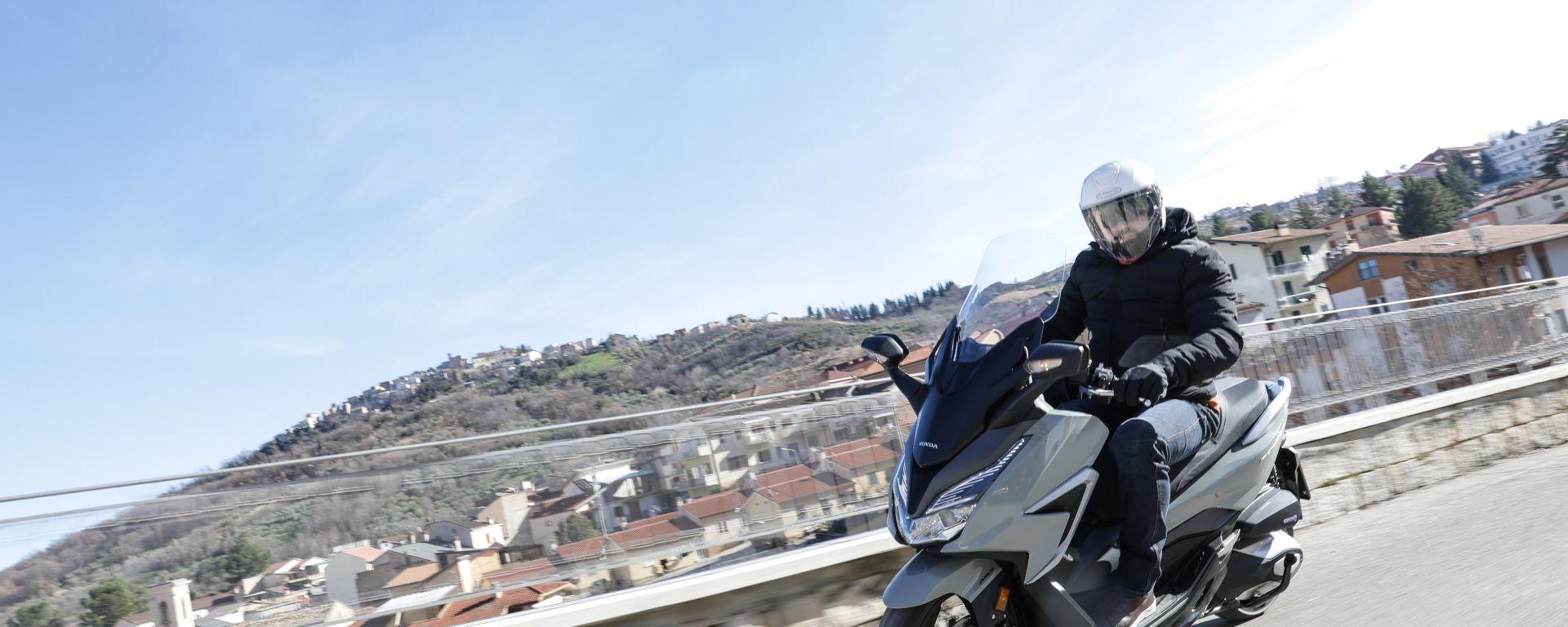 Honda Forza 350 2021: le opinioni dopo la prova su strada (VIDEO)