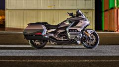 Honda GL 1800 Gold Wing 2020: vista laterali