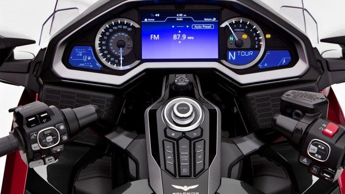 Honda GL1800 Gold Wing 2021: il display