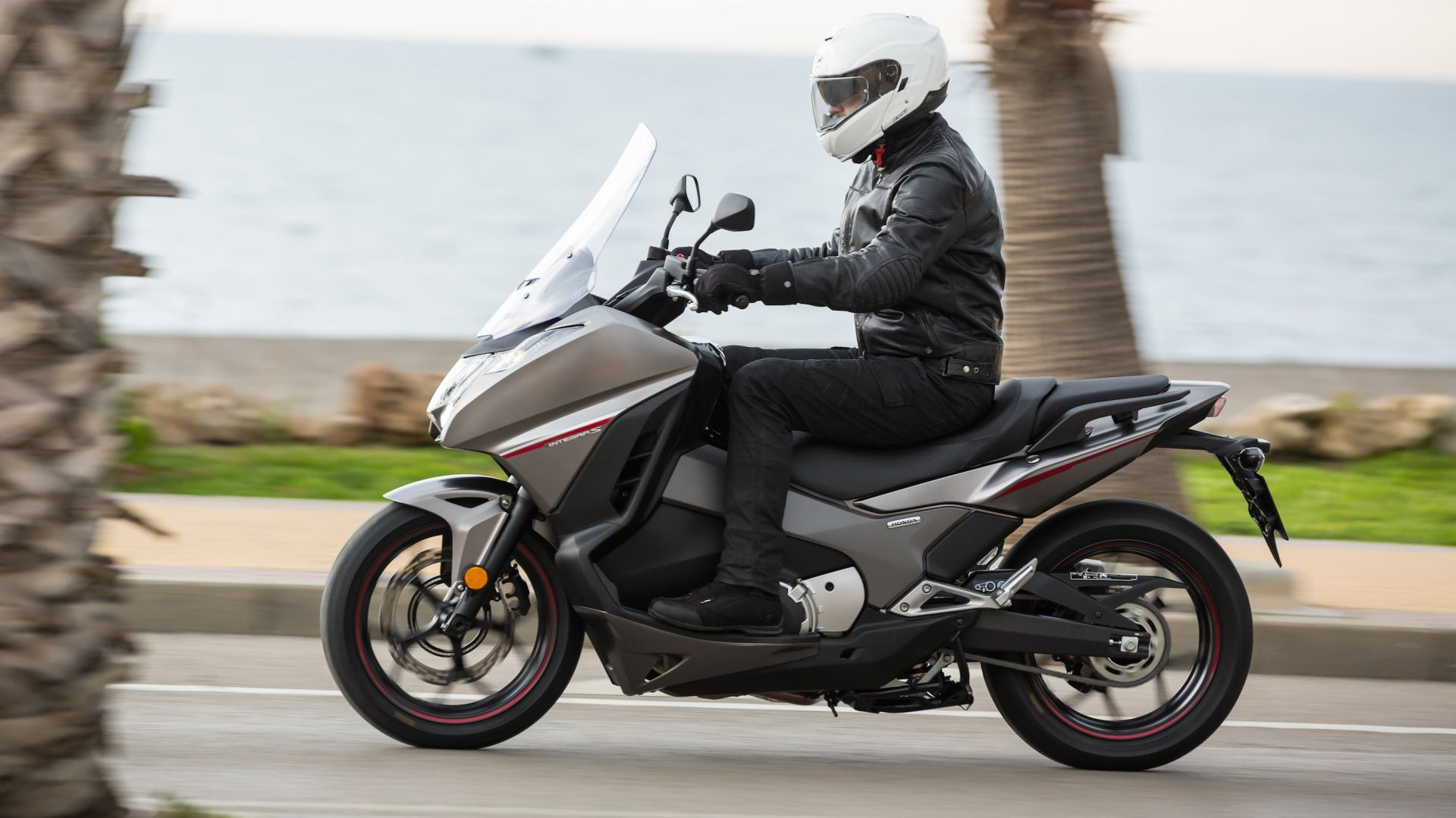 Prova su strada: Honda Integra 750 S 2016 - MotorBox