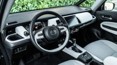 Honda Jazz 1.5 i-MMD Hybrid 2021, interni: abitacolo anteriore