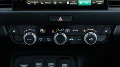 Honda Jazz 1.5 i-MMD Hybrid 2021, interni: i comandi di aria condizionata e sedili riscaldabili