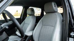 Honda Jazz 1.5 i-MMD Hybrid 2021, interni: i sedili anteriori