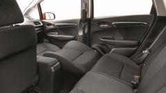 Honda Jazz Magic Seats, lo schienale del sedile del passeggero si abbassa per far spazio a oggetti molto lunghi