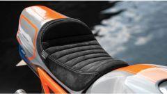Honda MSX 125 Grom Sakuma: la sella in pelle scamosciata