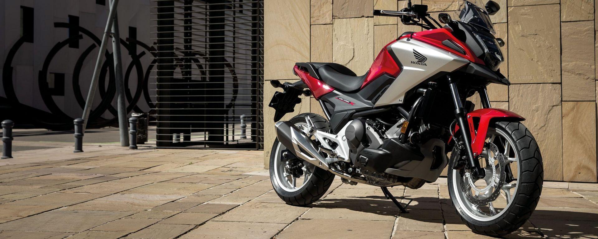 Honda NC750X 2016: in concessionaria da 7.390 euro
