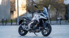 Honda NC750X 2021: la versione bianca