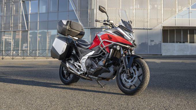Honda NC750X 2021: la versione Travel