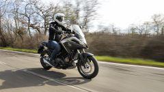 Honda NC750X 2021: protezione aerodinamica discreta, che migliora sulla Travel