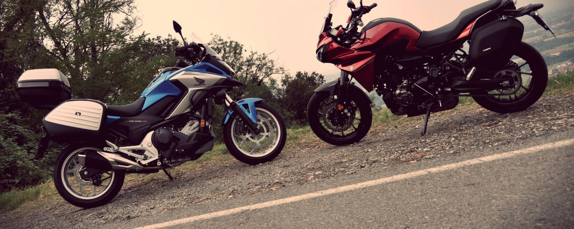 Honda NC750X DCT Travel Edition vs Yamaha Tracer 700