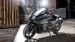 Honda NM4 Vultus: la vista 3/4 anteriore è quella che più l'accomuna con il nuovo concept