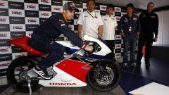 Honda svela ufficialmente la NSF250R Moto3 - Immagine: 3