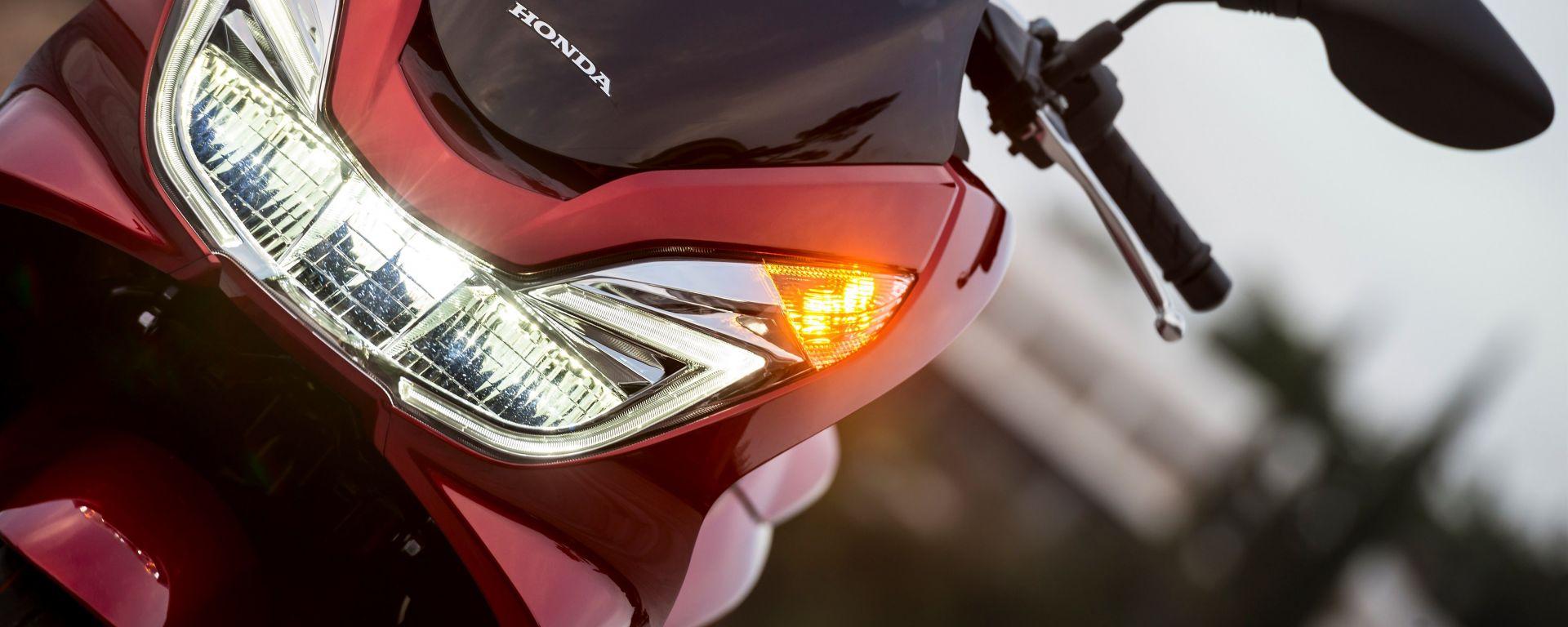 Honda PCX 125 2017, ora è Euro 4