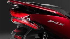 Honda PCX 125 2018: faro a LED al posteriore