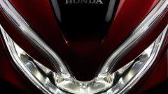 Honda PCX 125 2018: faro anteriore full LED