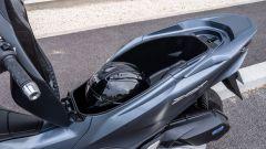 Honda PCX 125 2021: aumentata la capacità del sottosella