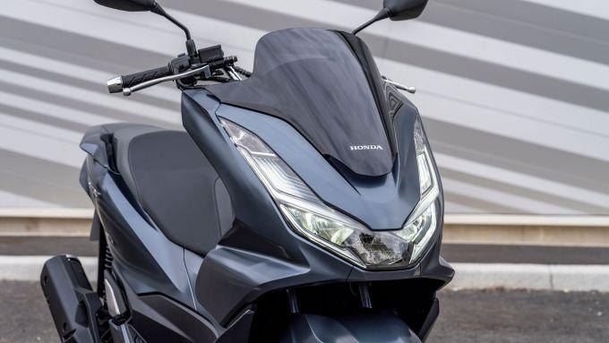 Honda PCX 125 2021: il nuovo frontale
