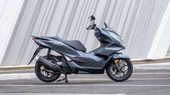 Honda PCX 125 2021: visuale laterale