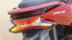 Honda PCX 125: prova, caratteristiche e prezzo - Immagine: 11