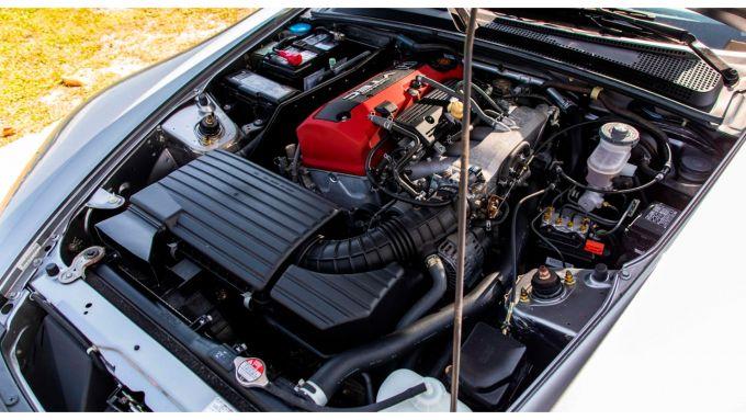 Honda S2000 del 2000 all'asta da Mecum: il motore