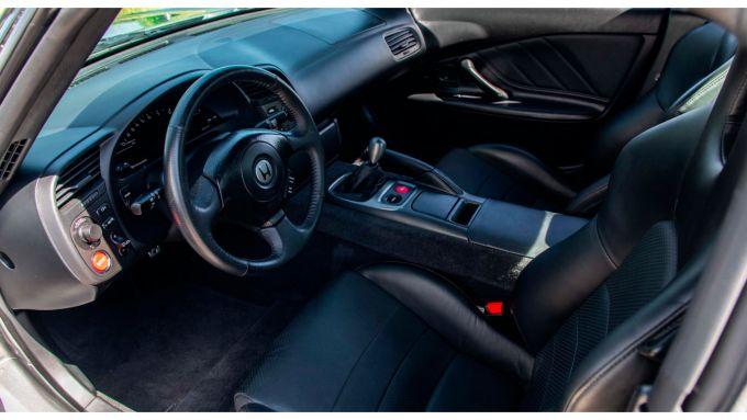 Honda S2000 del 2000 all'asta da Mecum: la plancia