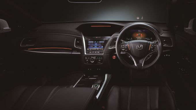Honda Sensing Elite: indicatori visivi nel cruscotto