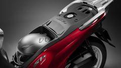 Honda SH 125 e 150 my 2017: nel sottosella ci sta un casco integrale