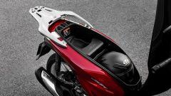 Honda SH 125/150: il vano sottosella