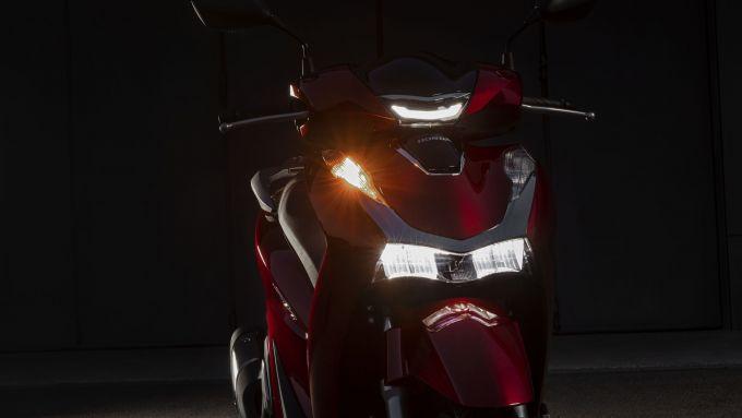 .Honda SH 2020: il nuovo faro anteriore