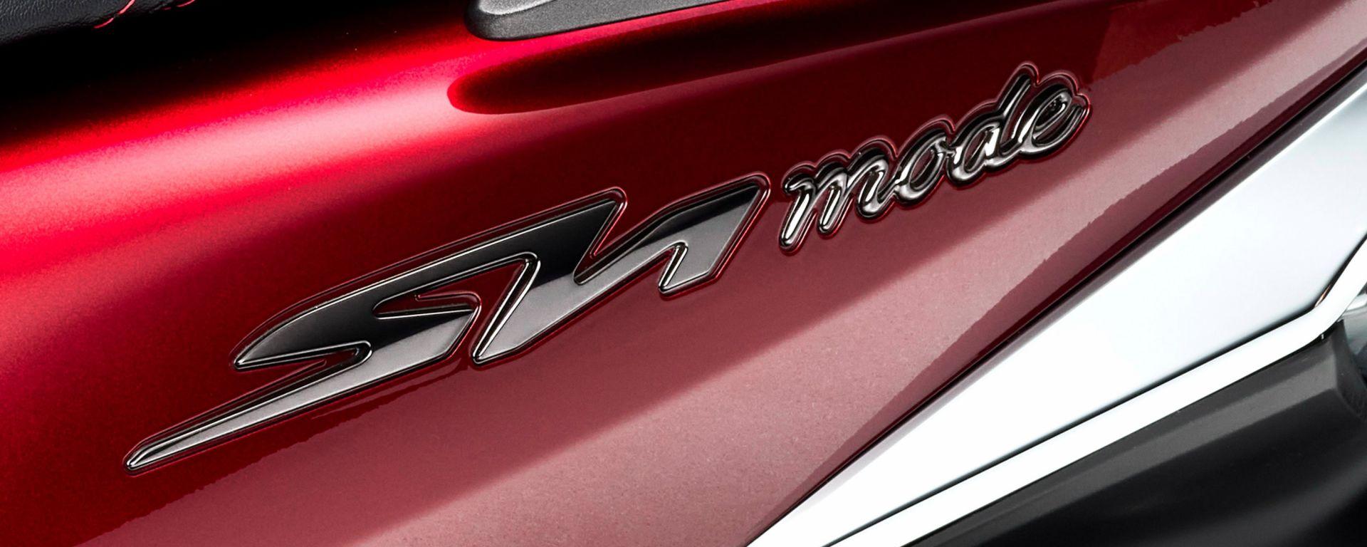 Honda SH Mode 125 2021: il logo sulla fiancata