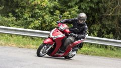 Honda SH300i ABS 2016: il video - Immagine: 17