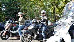 Honda SH300i, Piaggio Beverly 300, Yamaha Xmax 300: un momento della comparativa