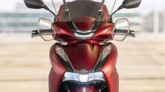 Honda SH350i 2021: il frontale e le luci a LED