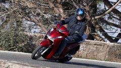 Honda SH350i: urban commuter perfetto? La prova video - Immagine: 1